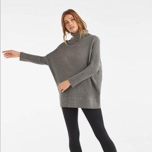 Vetta Capsule Oversized Sweater - Gray
